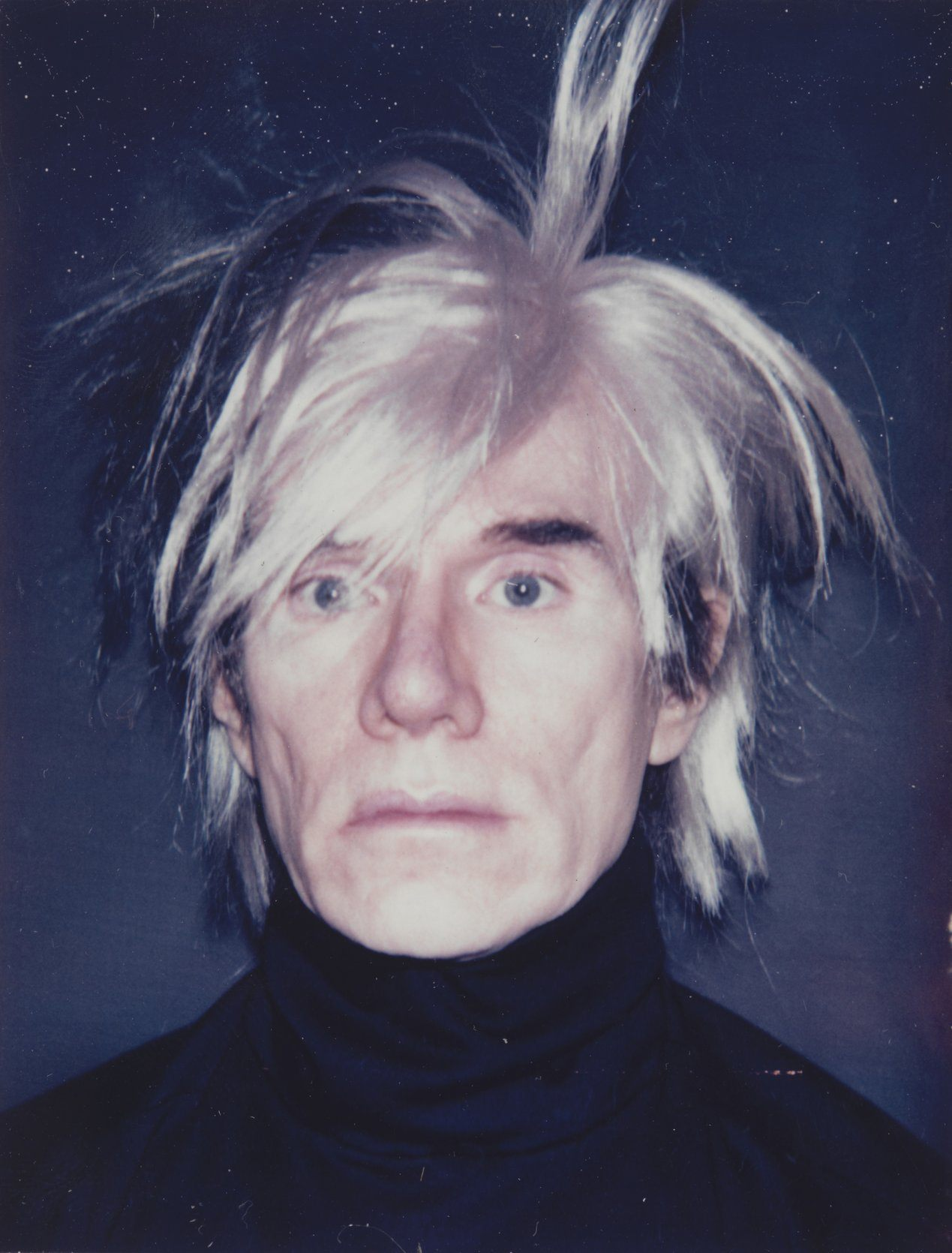 Andy Warhol, Autoportrait avec perruque hérissée, 1986 Polaroid et peinture Artist Rooms, National Galleries of Scotland and Tate © 2015 The Andy Warhol Foundation for the Visual Arts, Inc. / Artists Rights Society (ARS), New York
